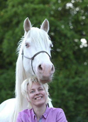 Claudia Sieh - Pferdeosteopathie / Med-Equin + Medica Praxis